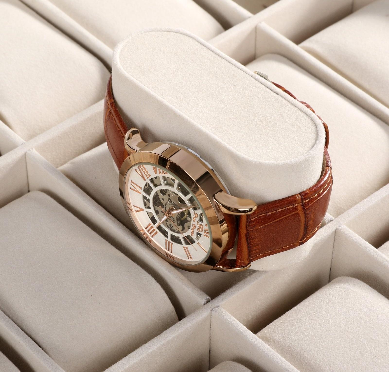 Caja 12 Relojes Cuero Stain.